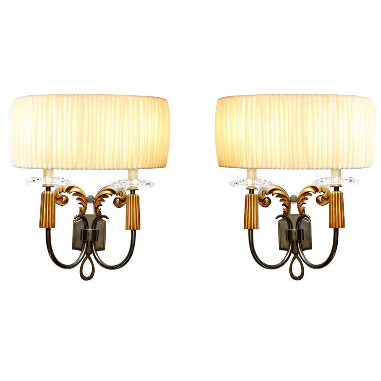 Elegant Pair of 1940s French Bronze Sconces For Sale