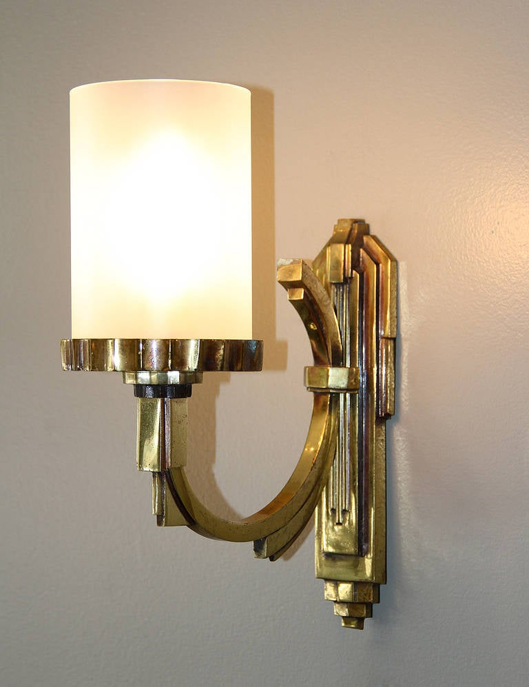 Petitot One Gilt Bronze, 1930s Art Deco Sconce In Distressed Condition For Sale In Los Angeles, CA