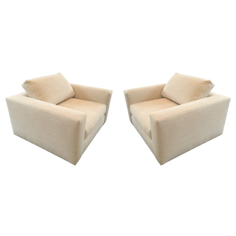 Stunning Pair of Wide Lounge Chairs in Cream Linen Upholstery