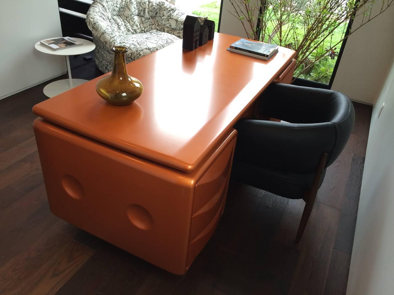 Fiberglass Ernest IGL Jet Desk Used in Men in Black III, Limited Edition For Sale