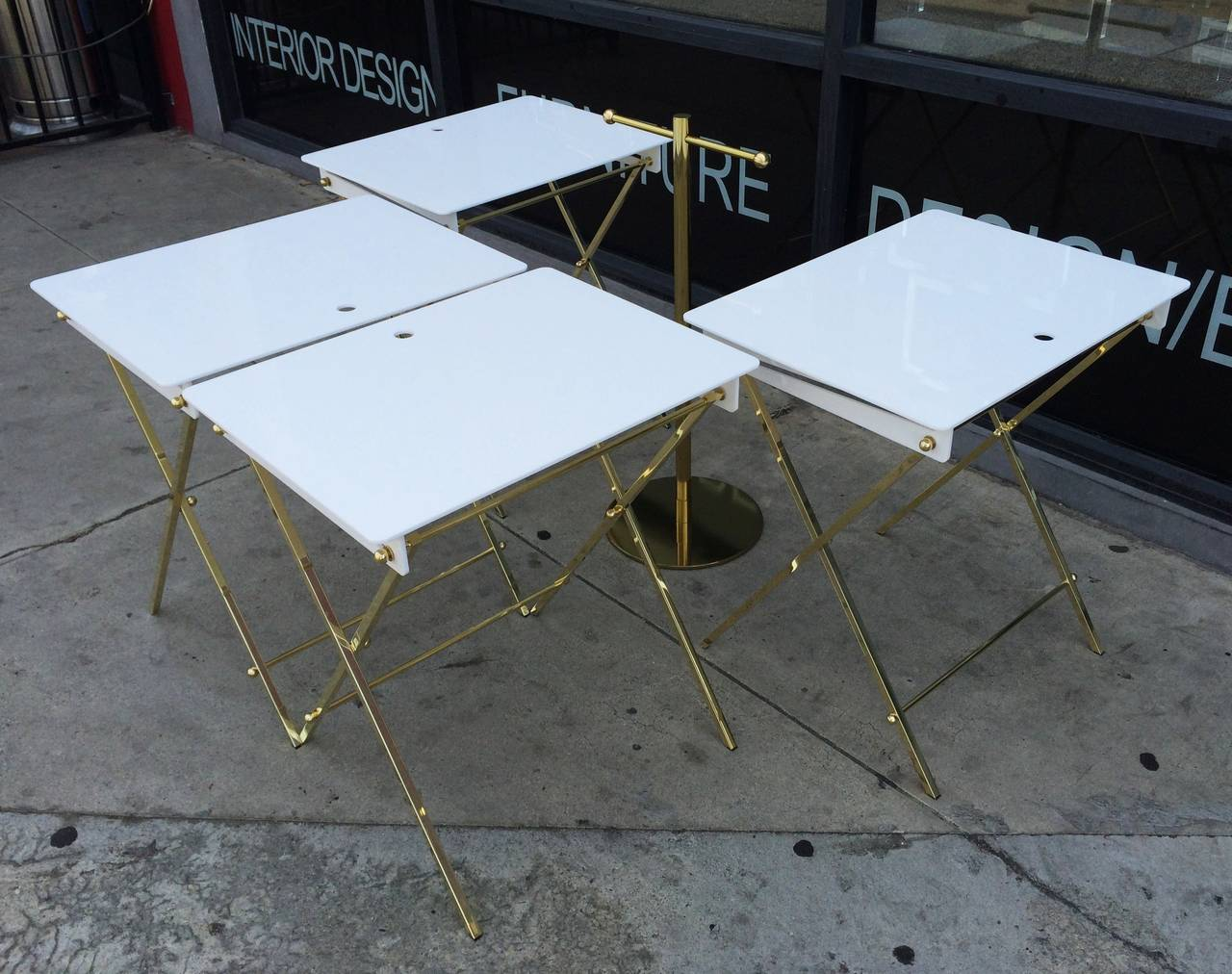 Set of Four Acrylic and Brass Serving Trays with Stand by Charles Hollis Jones In Good Condition For Sale In Los Angeles, CA