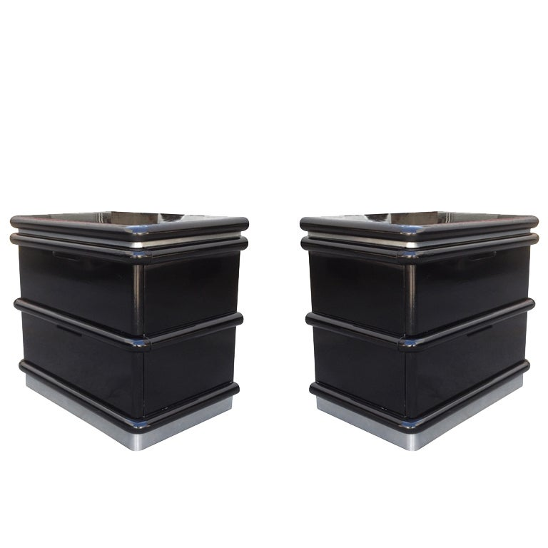 Jay Spectre Nightstands in Black Lacquer and Brushed Chrome Plinth For Sale