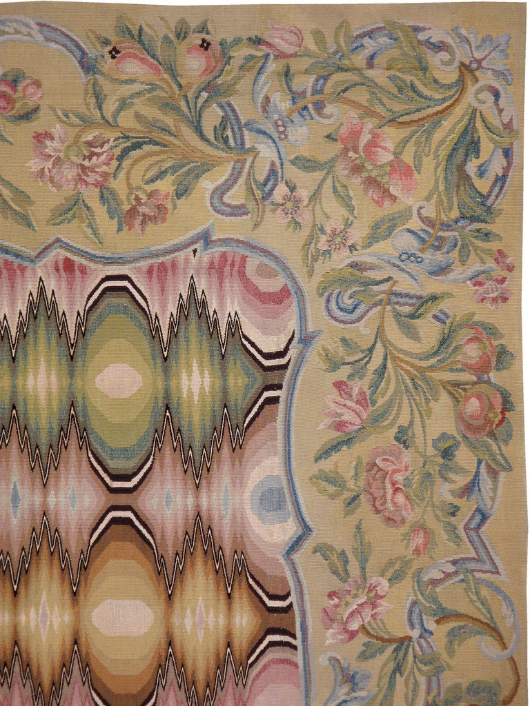Antique French Aubusson Rug In Good Condition For Sale In New York, NY