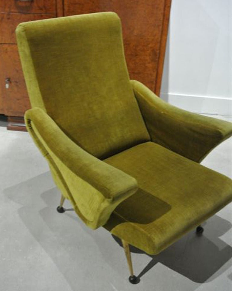Mid-20th Century Pair of Art Deco Club Chairs For Sale