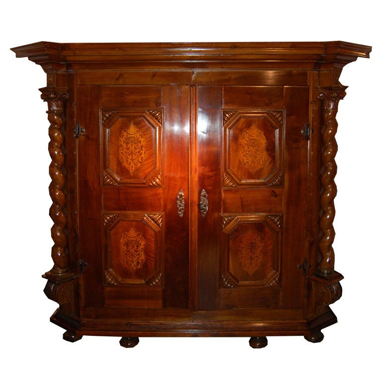 baroque entrance hall wardrobe for sale at 1stdibs. Black Bedroom Furniture Sets. Home Design Ideas