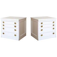Pair of 1950s Modern White Lacquered End Tables or Nightstands