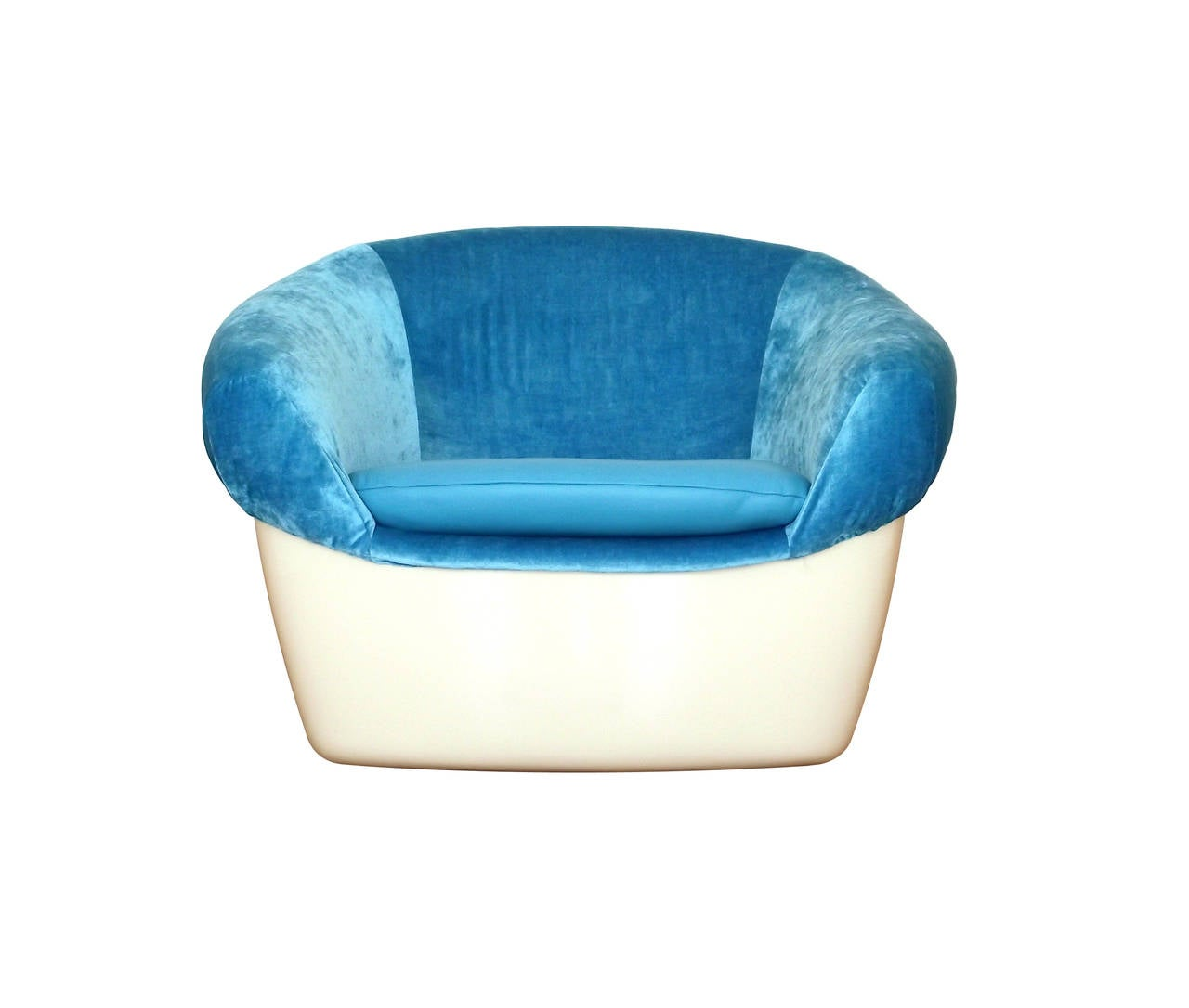 Oval lounge chair - Unique Space Age Lounge Chair In Fiberglass Blue Velvet And Leather 3
