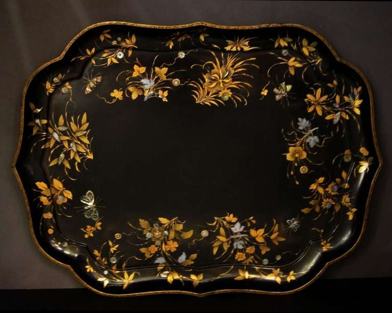 English Large Papier Mâché Tray In Excellent Condition For Sale In Austin, TX