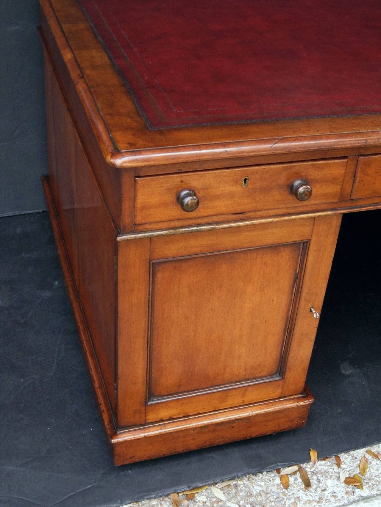 Leather English Partner's Pedestal Desk of Mahogany For Sale