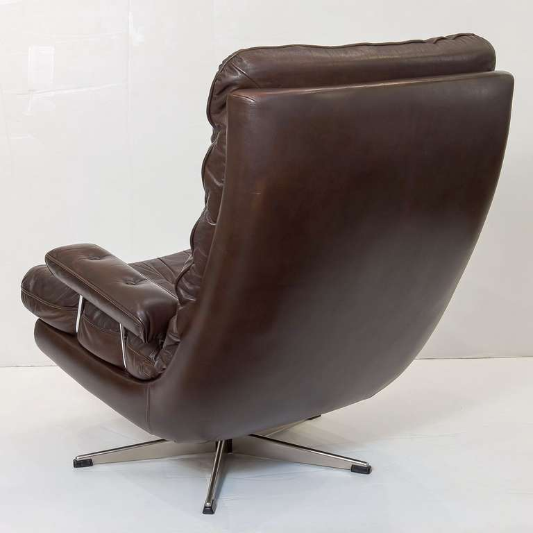 Danish Swivel Lounge Chair of Tufted Leather e Available at 1stdibs