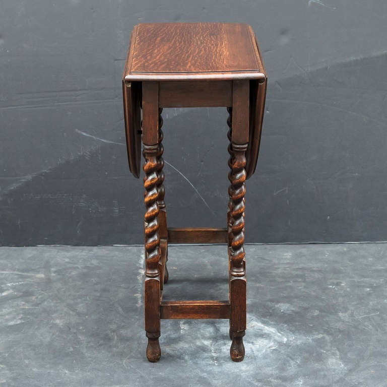 English Drop Leaf Gate leg Table at 1stdibs : T0337OakDropleafGatelegTable3l from www.1stdibs.com size 768 x 768 jpeg 54kB