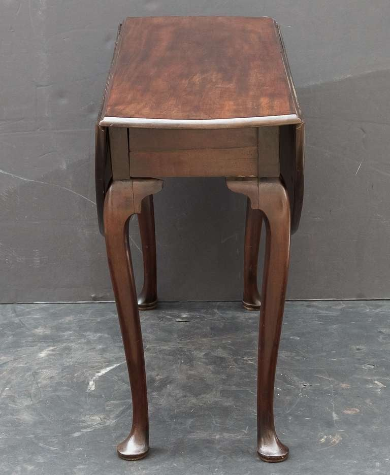 George II Drop Leaf and Pad Foot Table at 1stdibs : R1068DropLeafPadFootTableside2l from www.1stdibs.com size 768 x 936 jpeg 58kB
