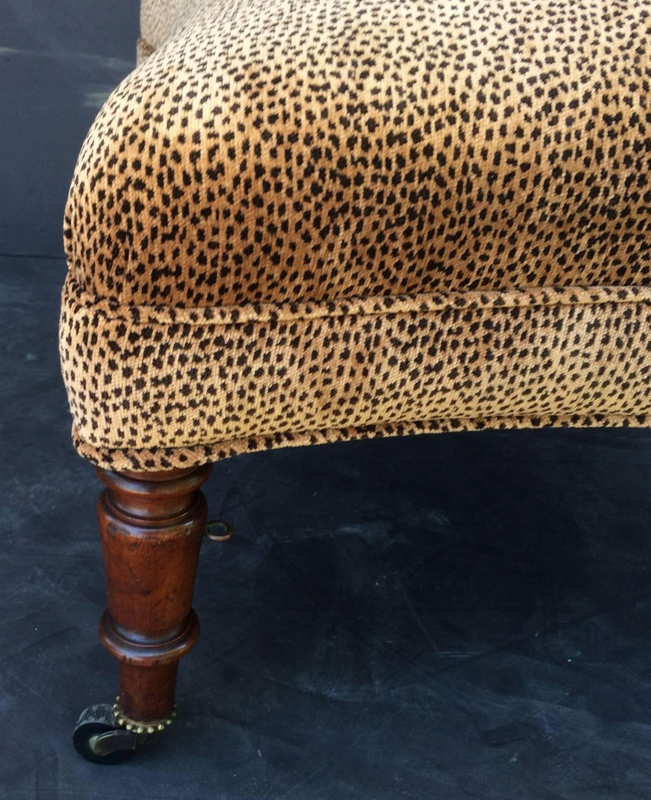 English Upholstered Ottoman On Mahogany Legs At 1stdibs