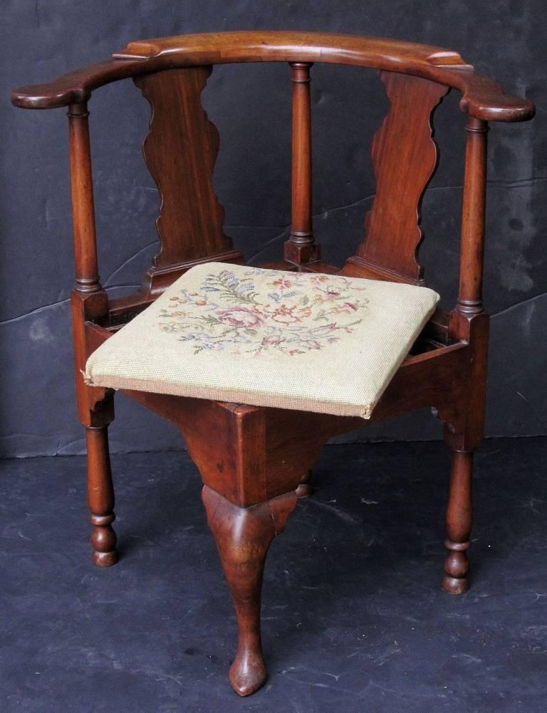 English Corner Chair from the Georgian Era For Sale 5