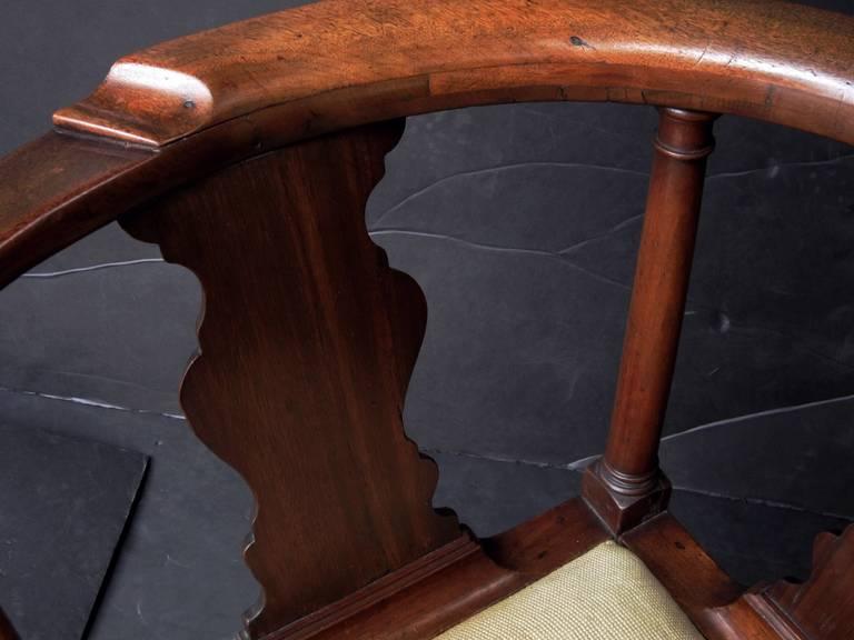 English Corner Chair from the Georgian Era For Sale 2