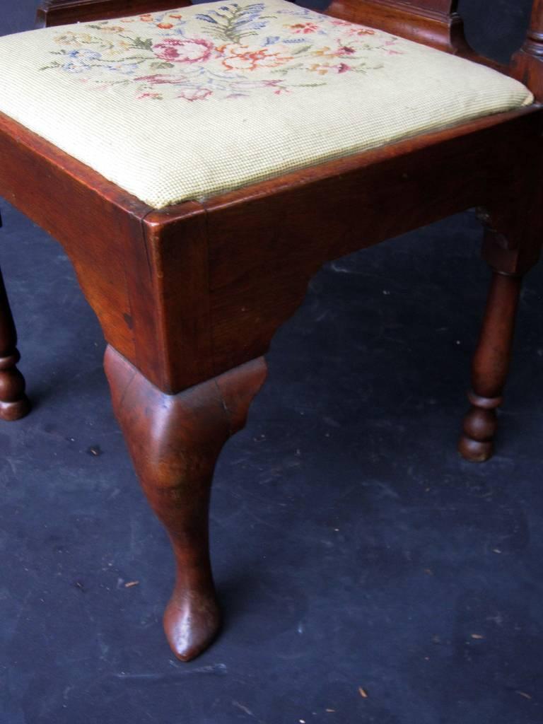 English Corner Chair from the Georgian Era For Sale 3