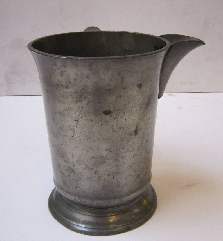 English Pewter Tankard or Flagon For Sale 1