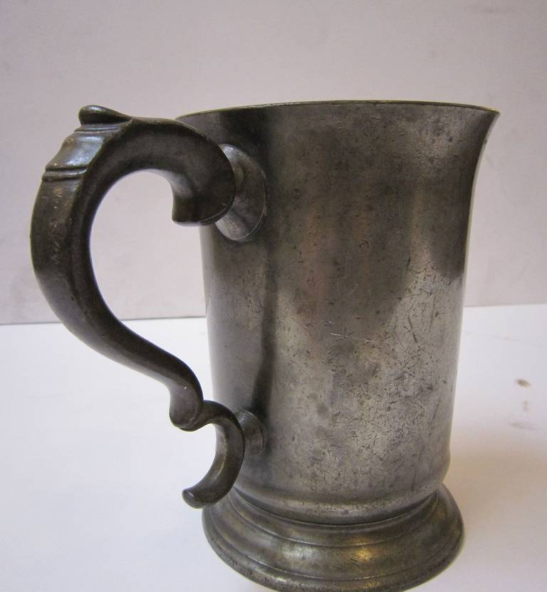 English Pewter Tankard or Flagon For Sale 2