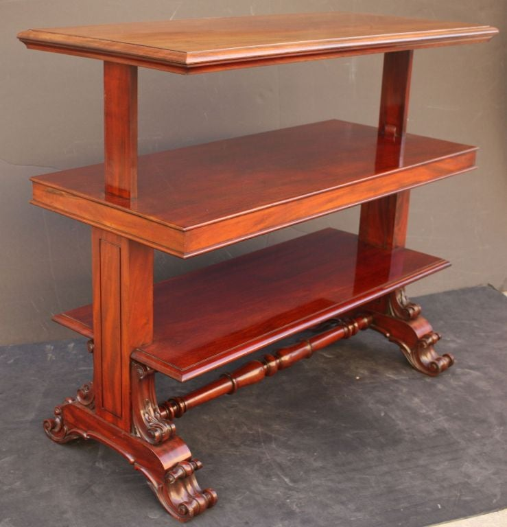 English Telescoping Buffet Server or Table in Mahogany In Excellent Condition For Sale In Austin, TX