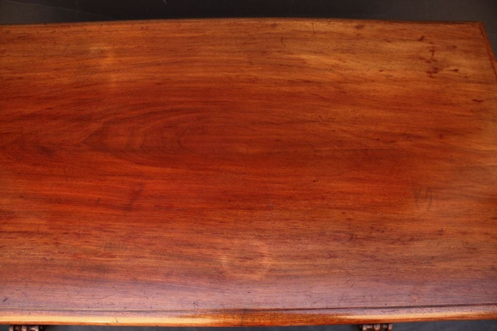 English Telescoping Buffet Server or Table in Mahogany For Sale 4