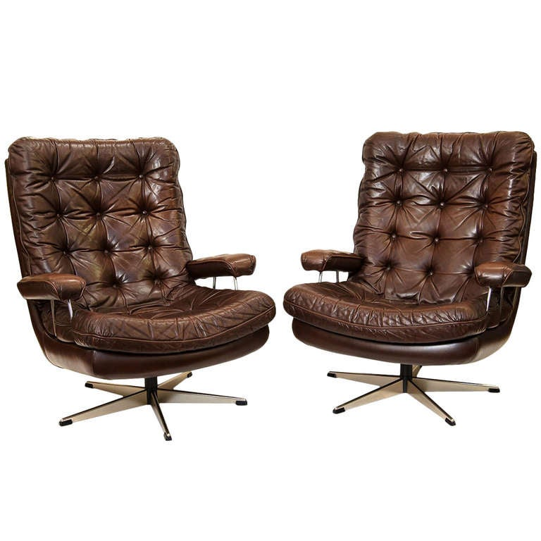 Danish Swivel Lounge Chair of Tufted Leather at 1stdibs