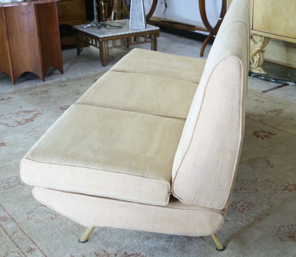 Beautiful rare early version of the Triennale sofa by the Italian Designer Marco Zanuso for Arflex France with original linen like fabric in very good original condition.