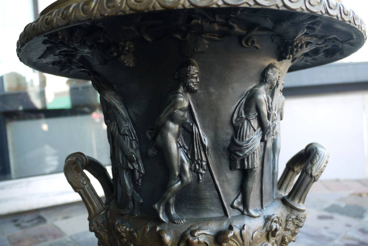 Pair of 19th Century Bronze Campana Urns After the Medici and Borghese Models For Sale 4