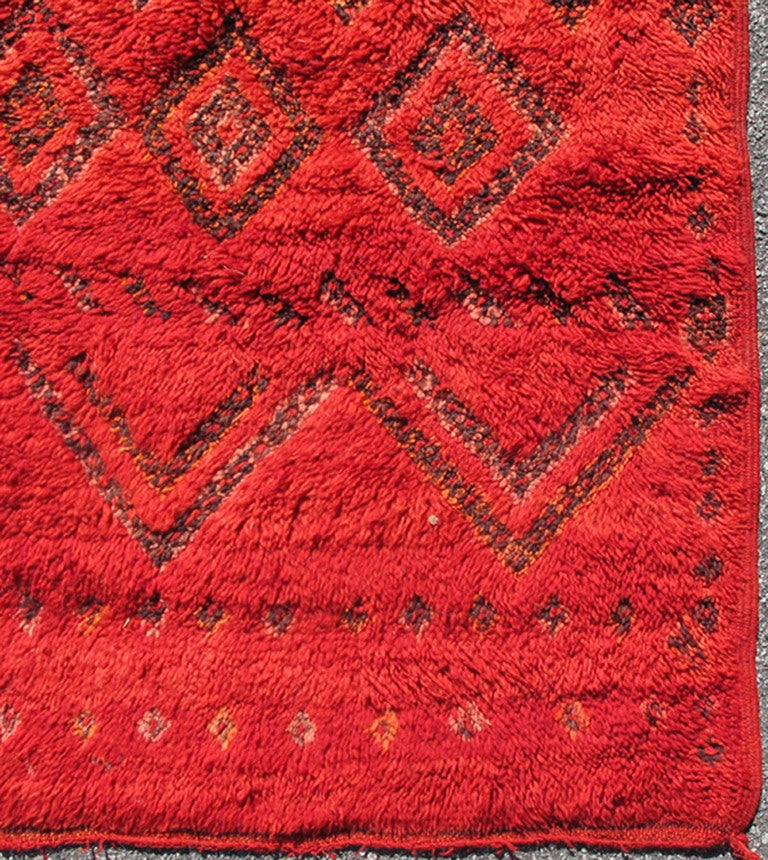 Vintage Moroccan Rug with Red Diamond Pattern and Zig-Zag Design 3