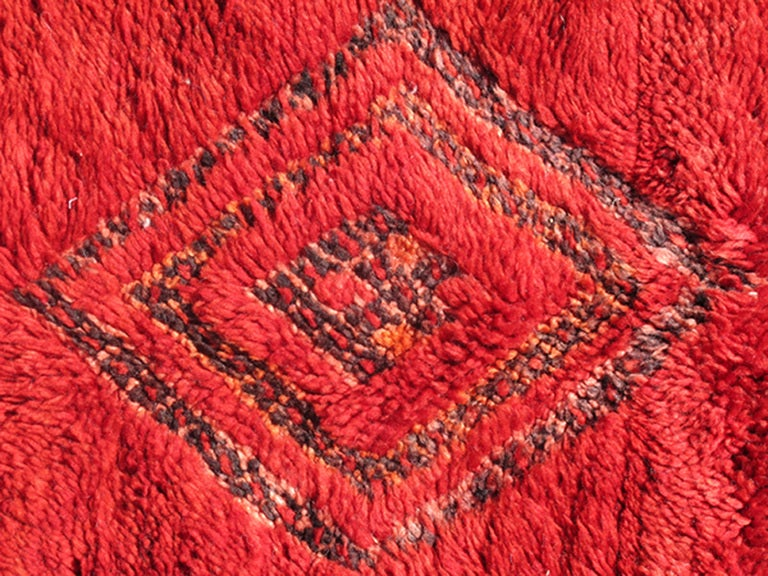 Vintage Moroccan Rug with Red Diamond Pattern and Zig-Zag Design 5