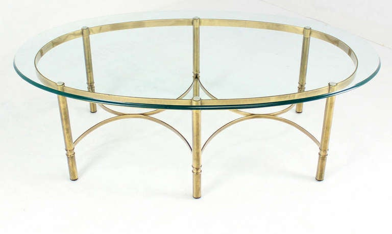 Brass and Glass Oval Mid-Century Modern Coffee Table For Sale 1