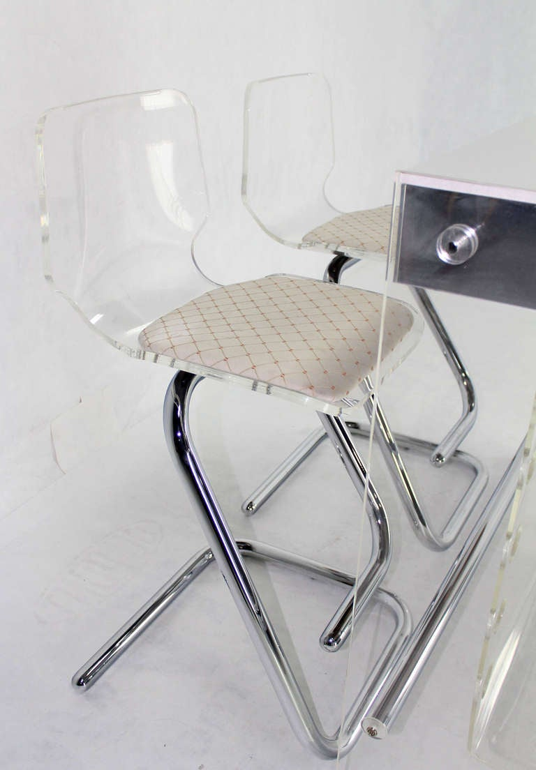 Mid-Century Modern Mid Century Modern Chrome and Lucite Bar with Two Bar Stools For Sale