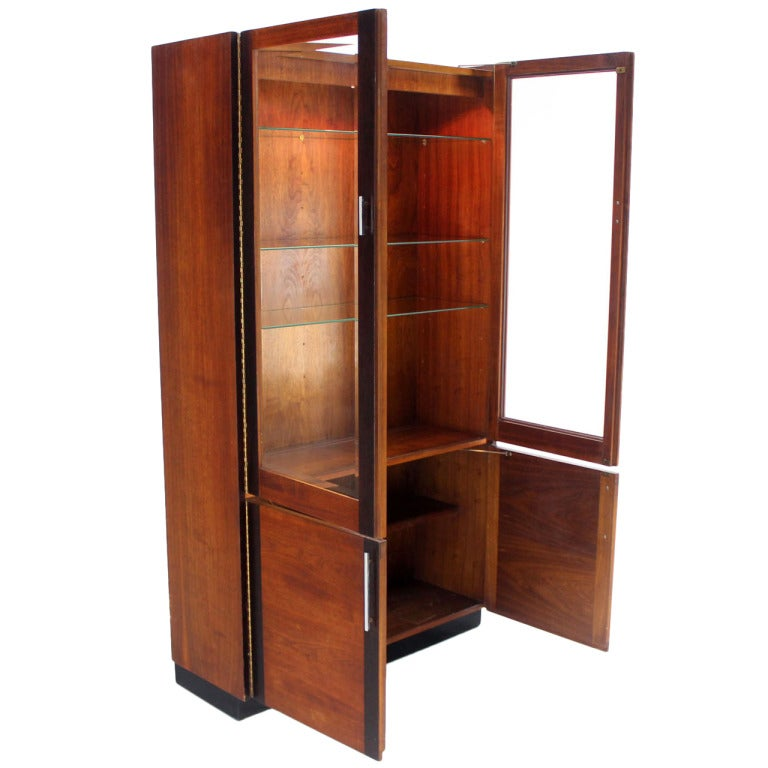 walnut and rosewood modern vitrine display cabinet in the baughman style at 1stdibs. Black Bedroom Furniture Sets. Home Design Ideas