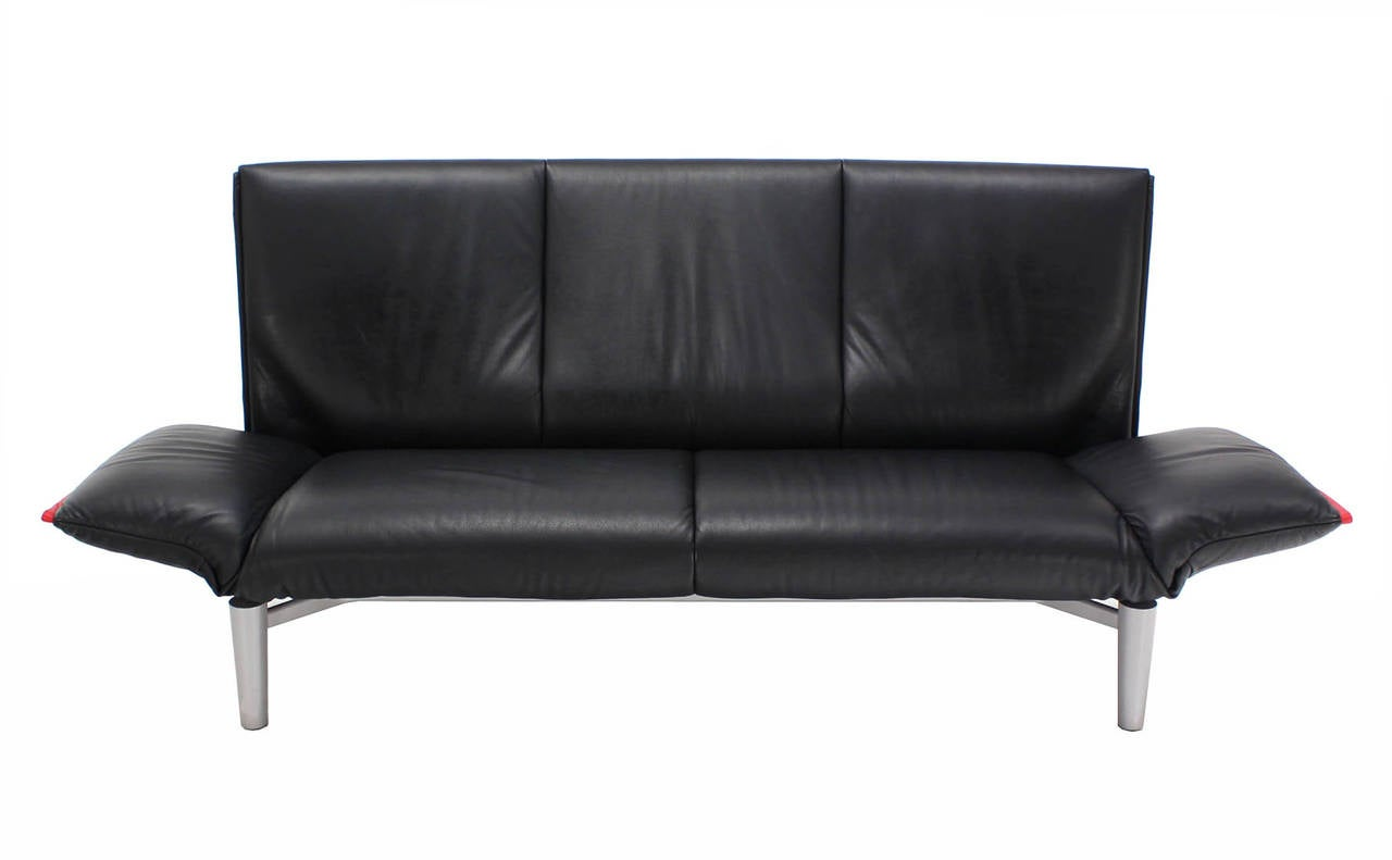 de sede vintage black leather sofa with drop down arms at 1stdibs. Black Bedroom Furniture Sets. Home Design Ideas