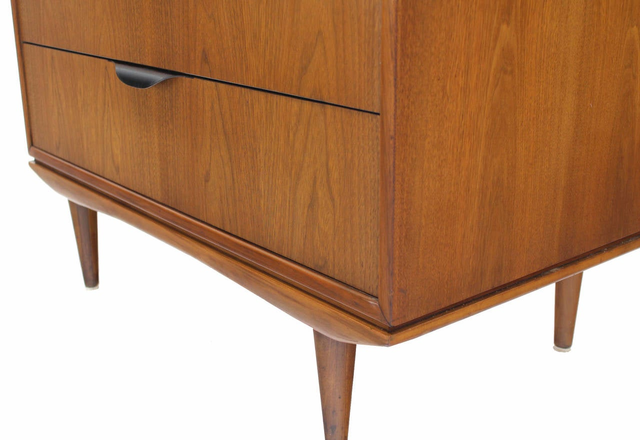 case 3 haverwood furniture Haverwood furniture, inc (b) background haverwood furniture formed in the early 1900's by charlton bate's great-grandfather focuses on high quality furniture.