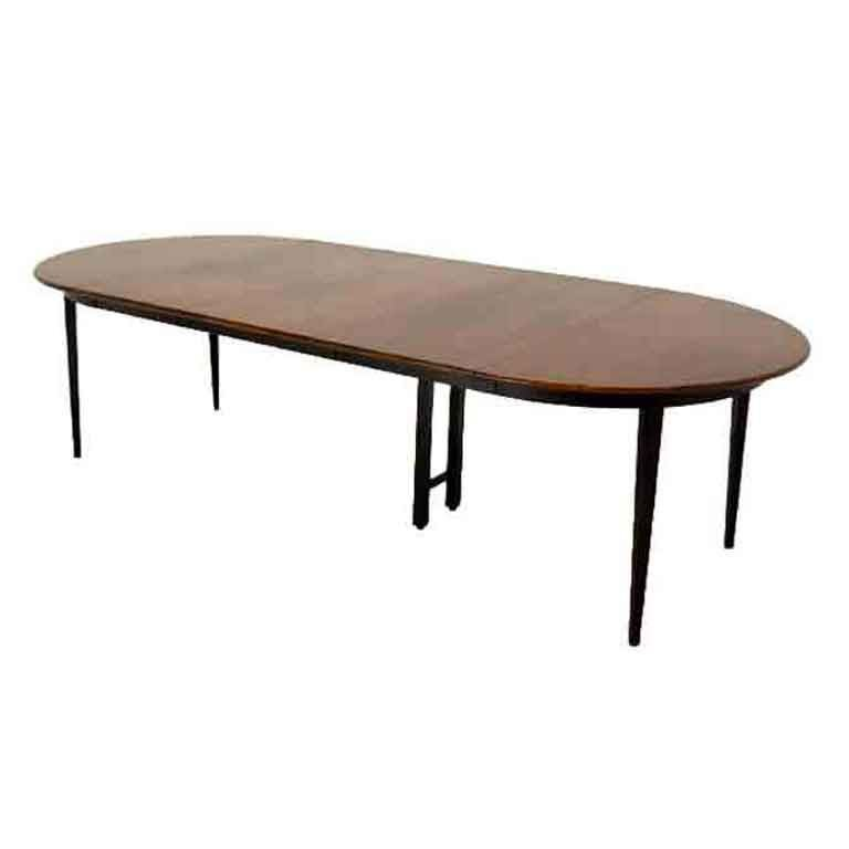 Banquet Dining Table: Directional Walnut Round Dining Banquet Table 3 Extensions