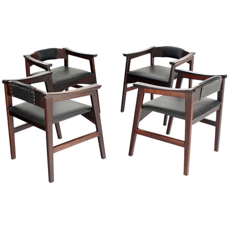 Set of Four Danish Mid-Century Modern Rosewood Dining Chairs 1