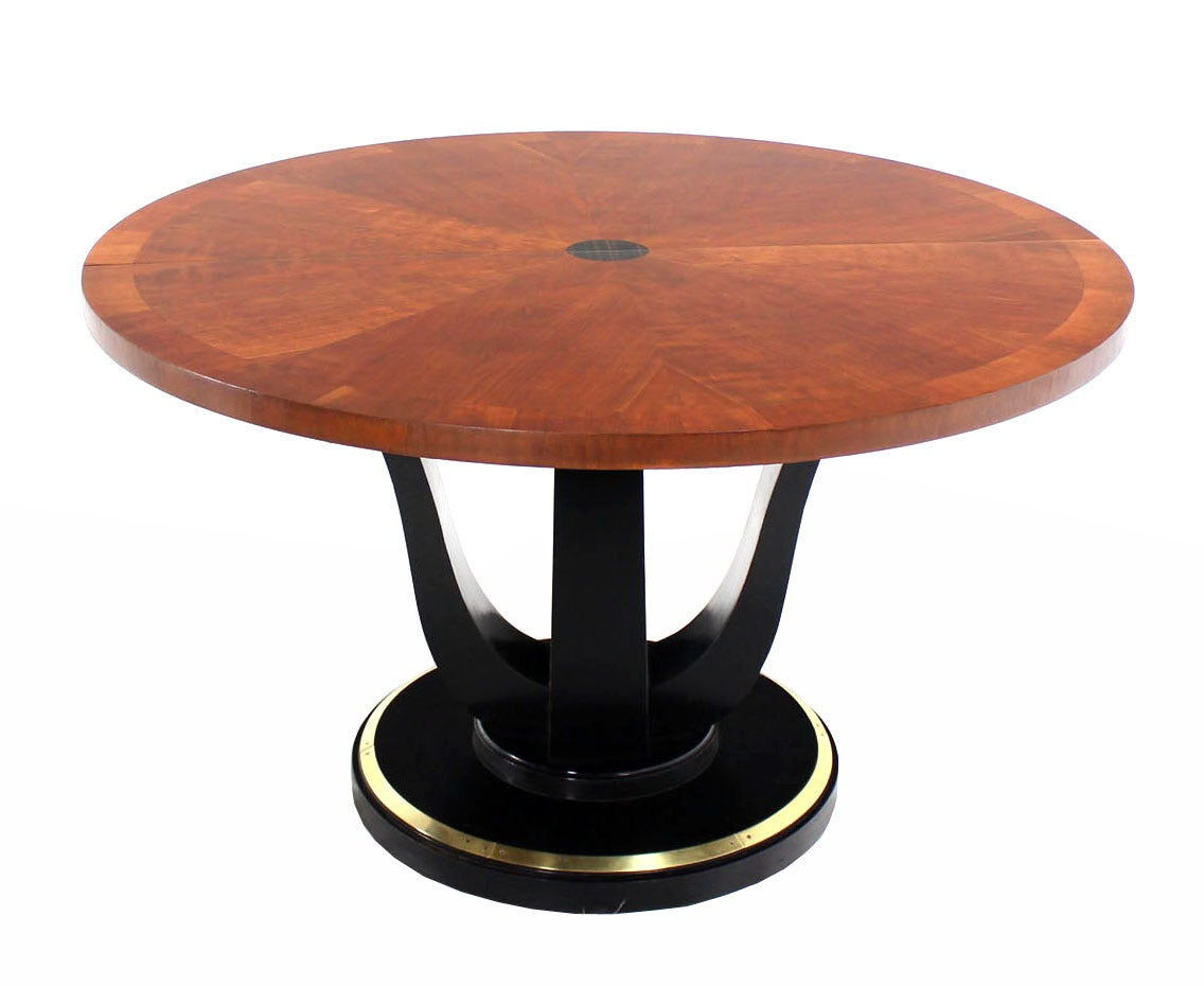 Henredon Single Pedestal Round Dining Table at 1stdibs : IMG0467 1 from www.1stdibs.com size 1136 x 930 jpeg 61kB