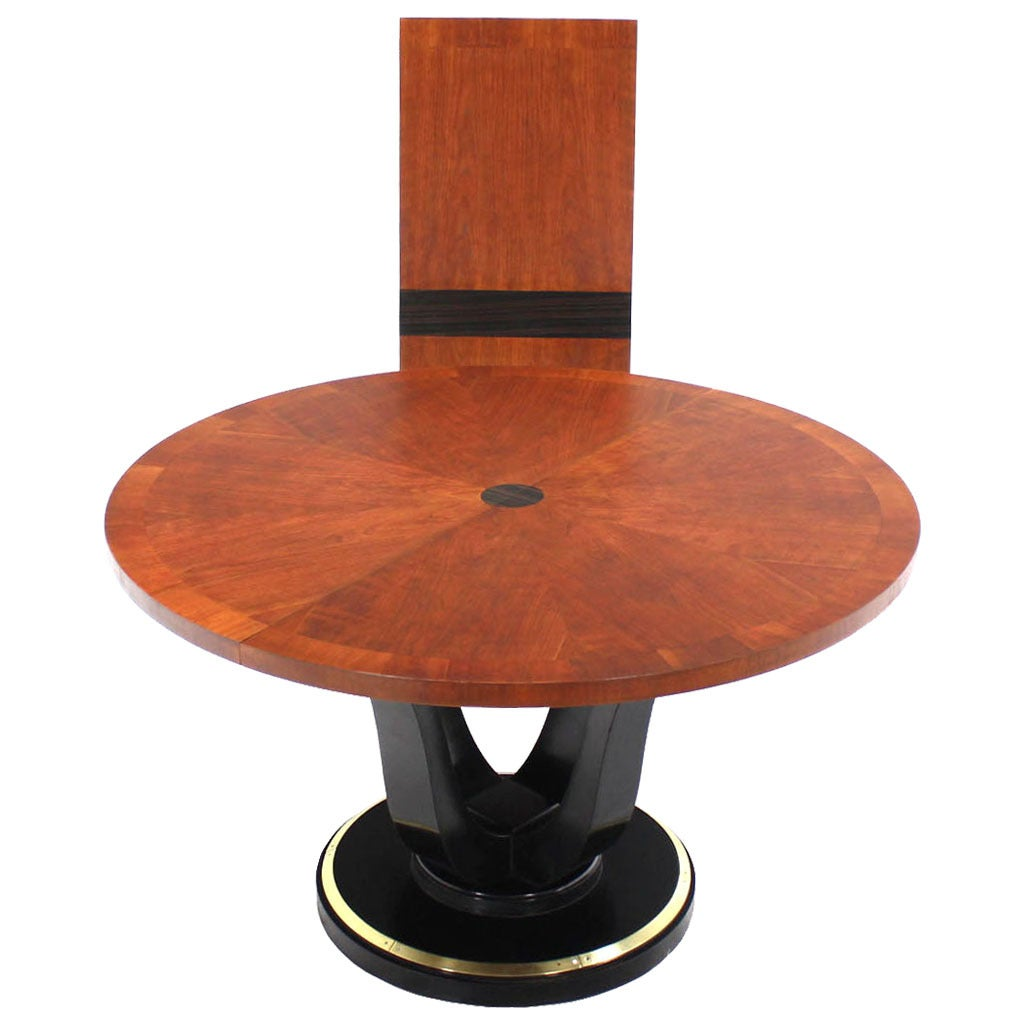 Henredon Single Pedestal Round Dining Table at 1stdibs : 2167322 1 from www.1stdibs.com size 1024 x 1024 jpeg 64kB
