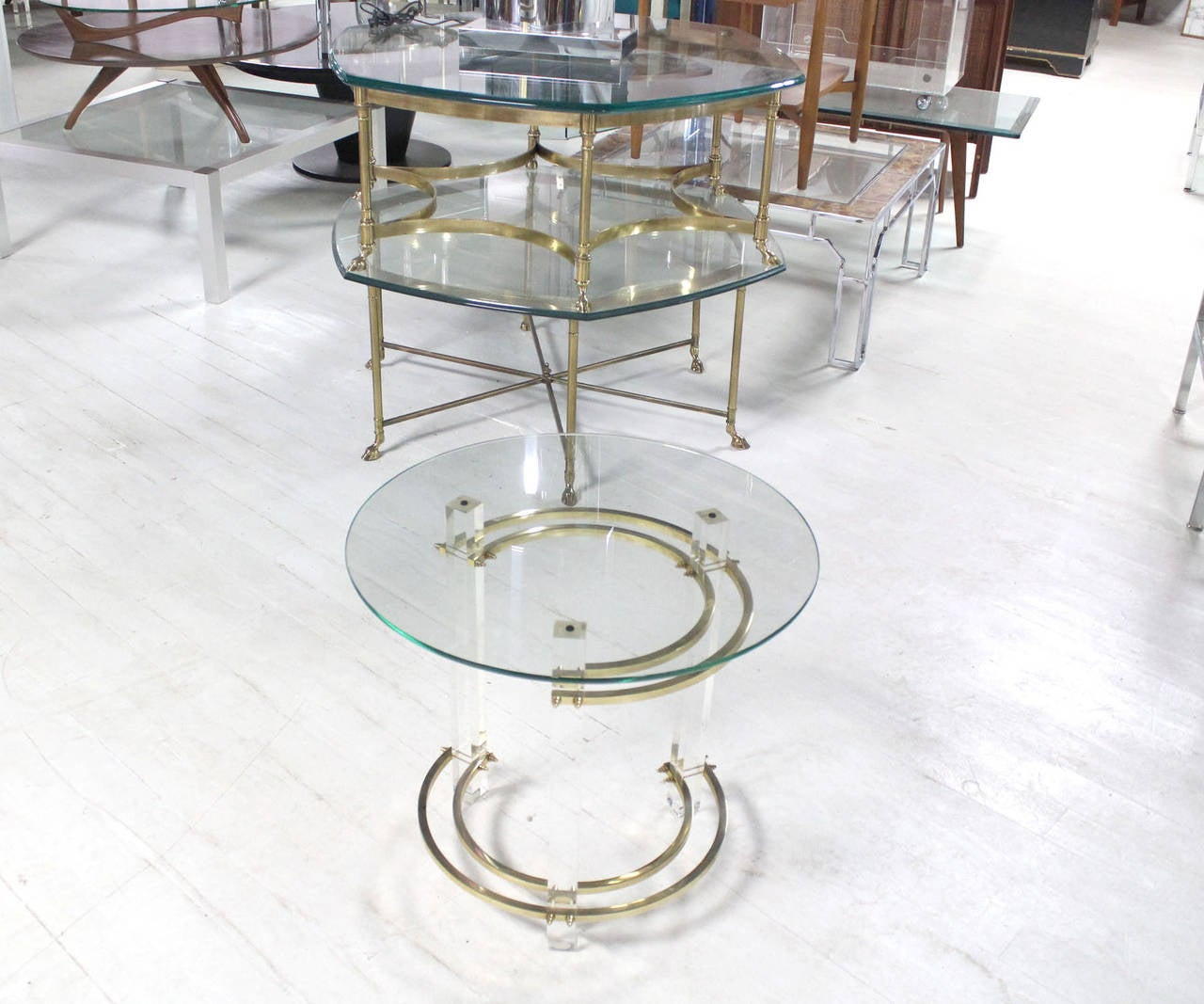 Mid-Century Modern Charles Hollis Jones Round Lucite and Brass Side Table For Sale