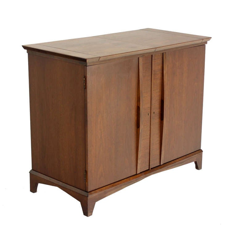 Walnut danish mid century modern liquor cabinet bar at 1stdibs for Modern bar furniture
