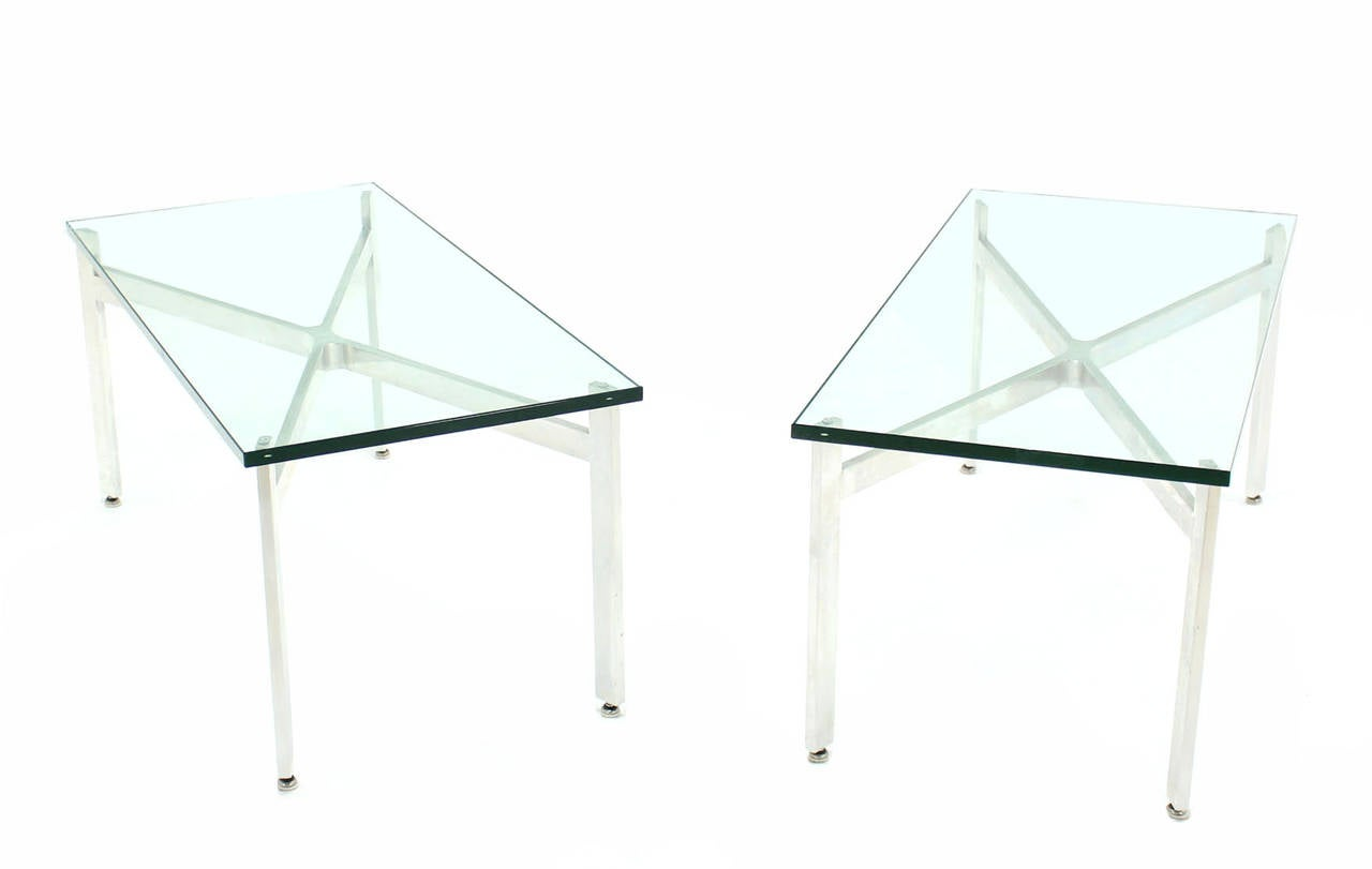 Pair Of Nice Thick 3 4 Glass Coffee Tables Or Deep End Tables