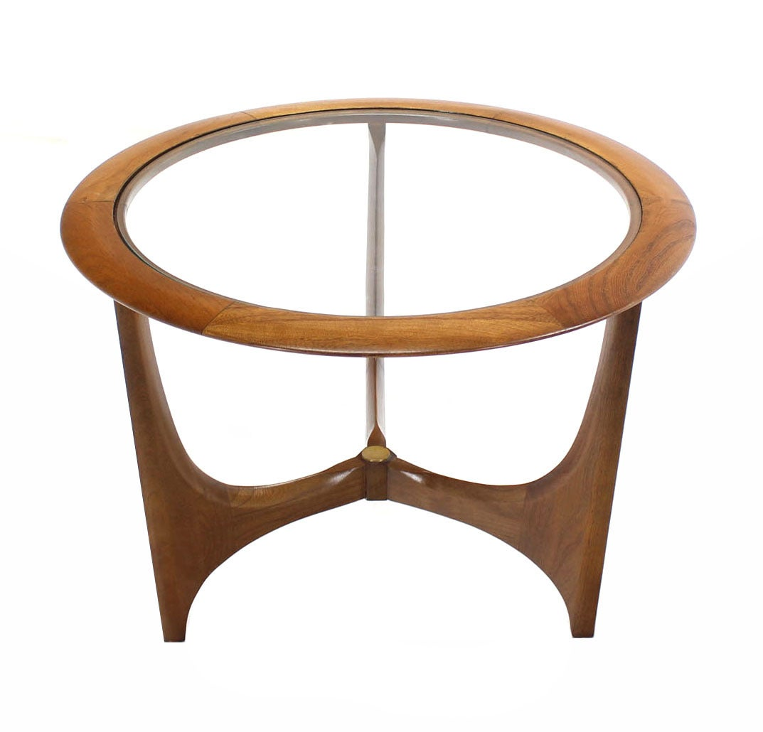 Round Walnut Coffee Or Side Table At 1stdibs