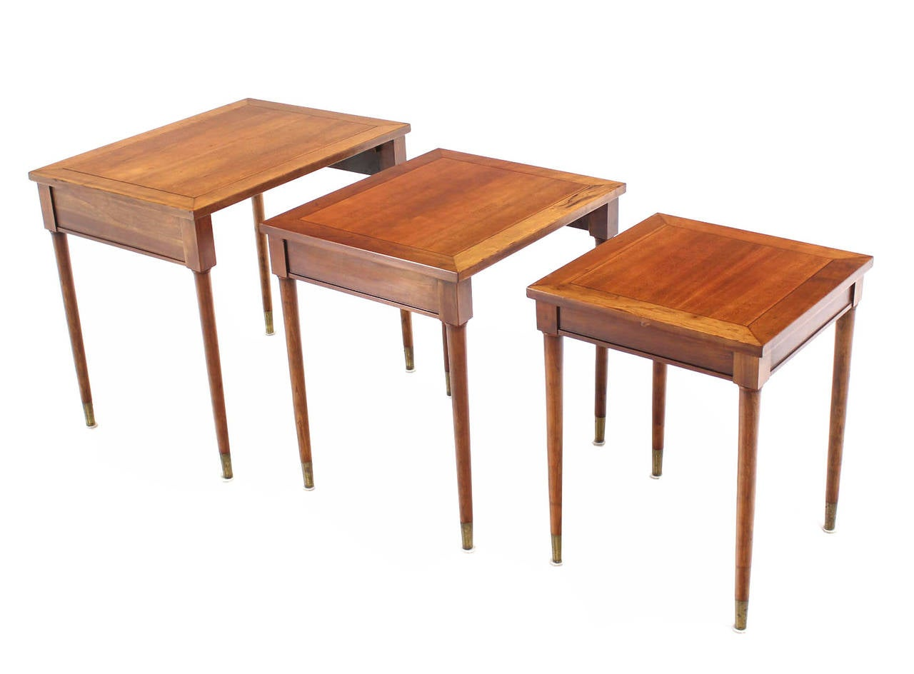 American Set of Three Mid-Century Modern Walnut Nesting Tables For Sale