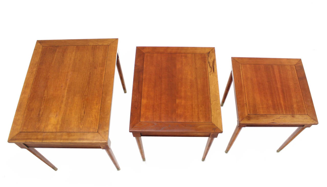Lacquered Set of Three Mid-Century Modern Walnut Nesting Tables For Sale