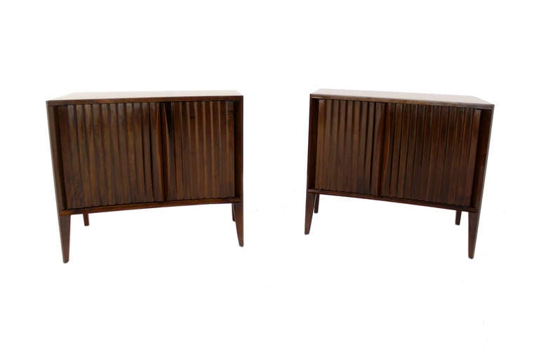 Pair of Mid-Century Modern Night Stands or End Tables by Edmond Spence For Sale 3