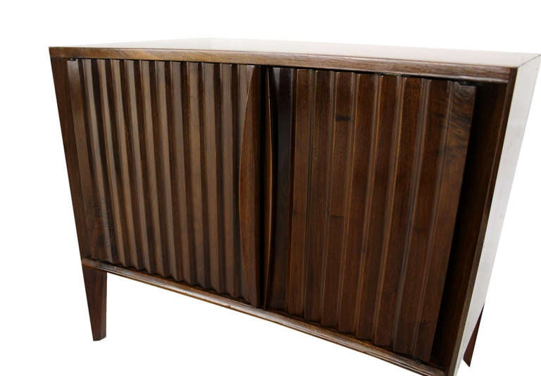 Pair of Mid-Century Modern Night Stands or End Tables by Edmond Spence In Excellent Condition For Sale In Blairstown, NJ