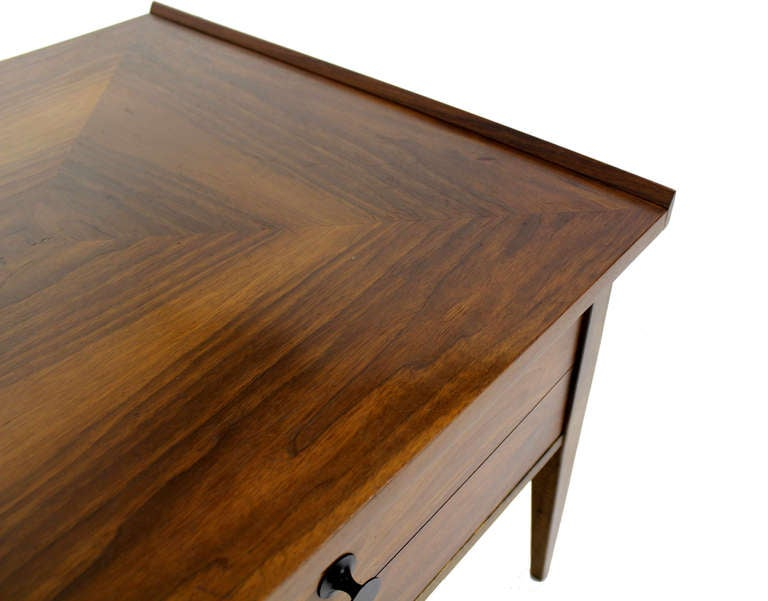 Pair Large Square Raised Rolled Edge Danish Mid Century Modern Walnut End Tables In Excellent Condition For Sale In Rockaway, NJ