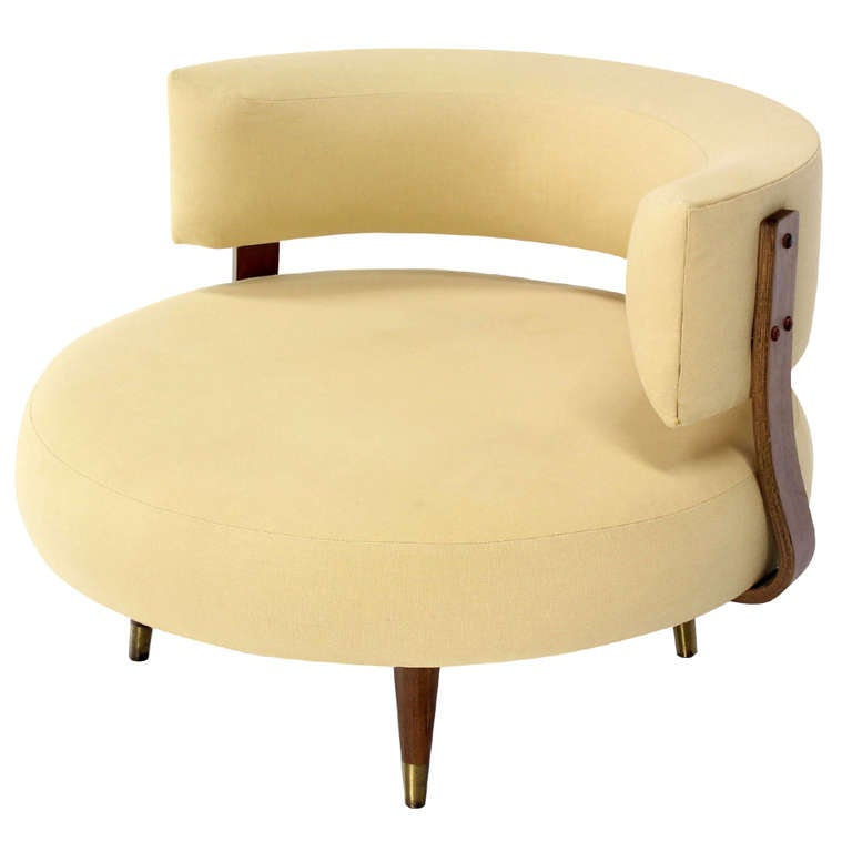 Mid century modern round swivel lounge chair by adrian for Modern swivel chair
