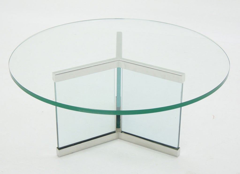 Pace collection round glass and chrome modern coffee table for Glass top circle coffee table