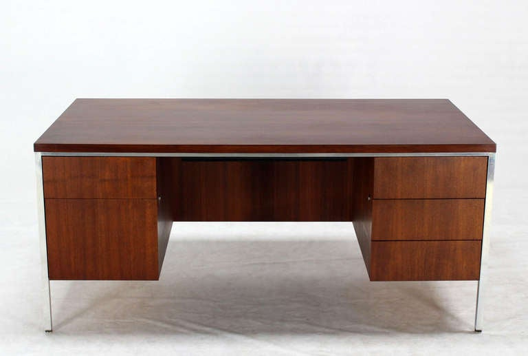 Walnut And Aluminum Mid Century Modern Large Executive Desk For Sale At 1stdibs